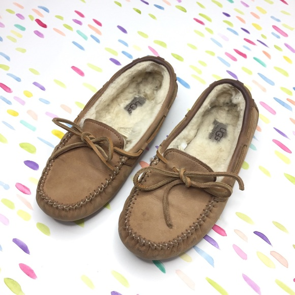 9a2b2ef6096 Ugg Dakota Driving Moccasin Slipper 6 Tan Brown